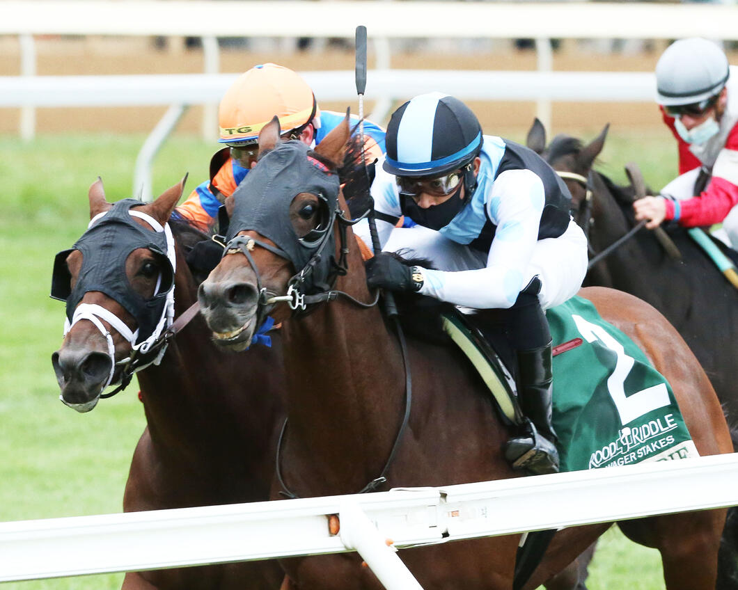 BLAME DEBBIE - Rood & Riddle Dowager G3 - 29th Running - 10-18-20 - R08 - KEE - Inside Finish 01